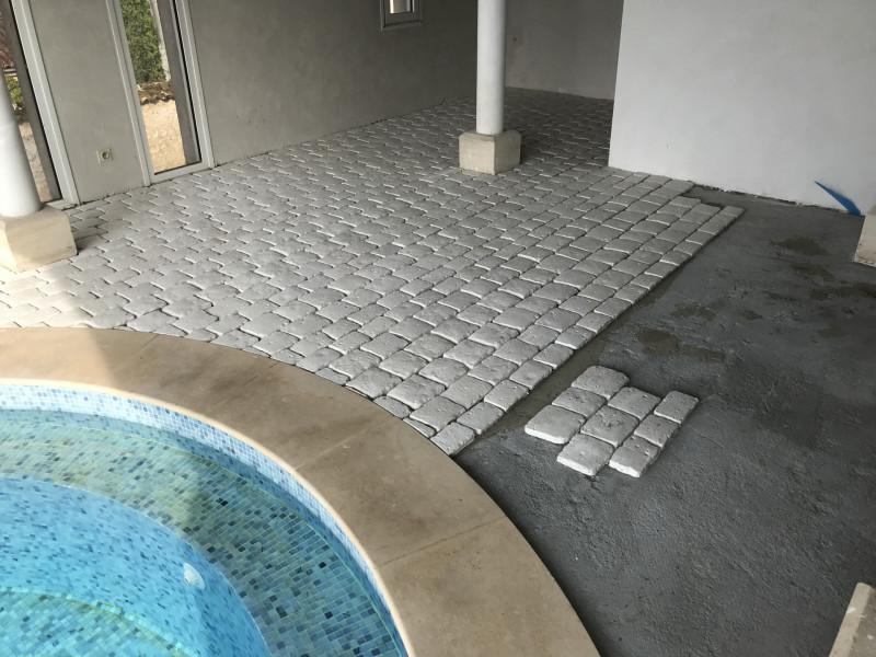 Dallage d'un tour de piscine
